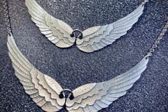Enkelin siivet, hopeasiivet, Omaa mallistoa